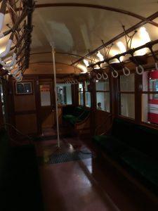 地下鉄博物館 昔の電車内2