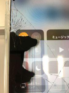 iPhone液晶の液漏れ